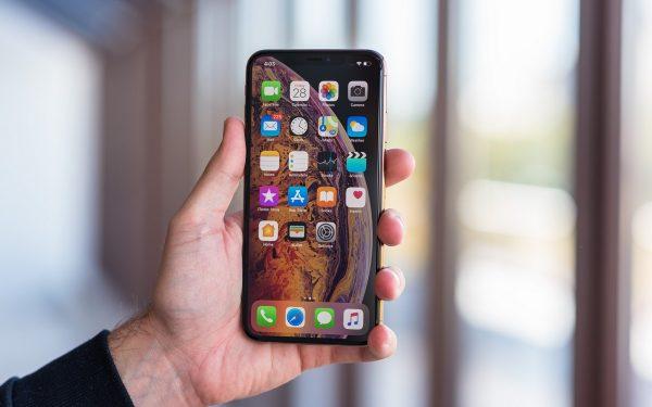 iphone-11-hay-iphone-xs-max