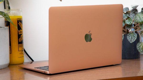 dong-macbook-cua-apple-2