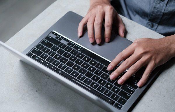 trai-nghiem-macbook-pro-13-inch-chip-m1-5