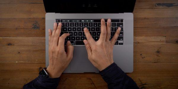 macbook-pro-2021-cua-apple-2